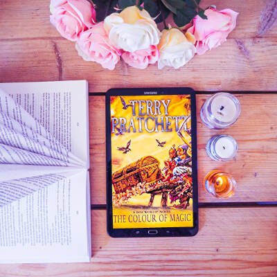 10 Reasons to read the Color of Magic by Terry Pratchett