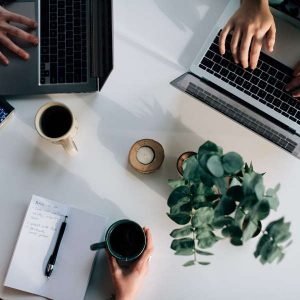grammarly article picture with laptop typing